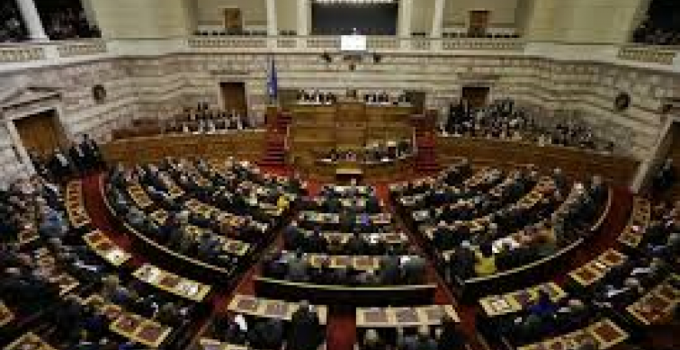 Řecko nezvolilo prezidenta - míří k parlamentním volbám.