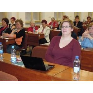 foto M. Hoření - kandidátka do Evropského parlamentu, Dagmar Švendová, při přednášce